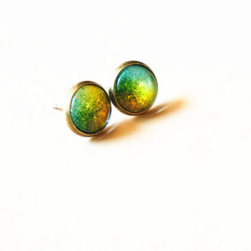Vintage Antique Bronze Sparkle Earrings,Steampunk Jewelry,Glass Dome Post Earrings,Color changing,Cabochon Pendant, Amber,Green,Blue1001