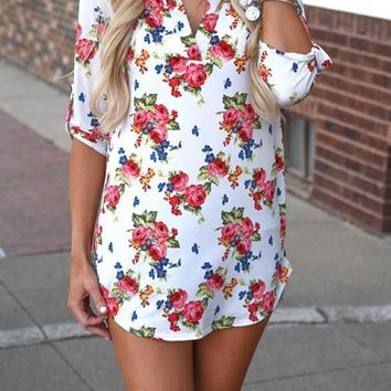White Floral V-neck Elbow Sleeve Loose T-Shirt
