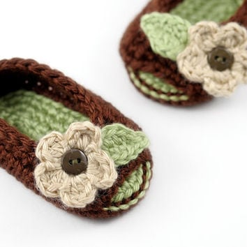 Open Toe Baby Booties with Flowers // Brown and Green // Spring Baby Sandals // Peek-a-Boo Booties
