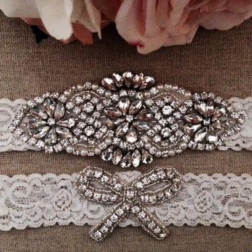 Handmade Wedding Garter Bridal Garter Ivory Couture Pearl and Crystal Rhinestone Garter and Toss Garter Set on Ivory Lace 2pcs /lot