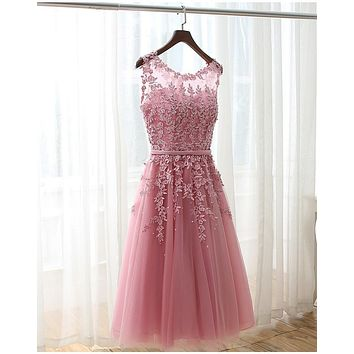 2017 Blush Pink/White/Burgundy Bridesmaid Dresses Scoop See Through Lace Beads Knee Length Maid of Honour Wedding Party Dresses