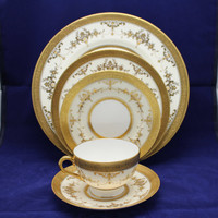 40 pc Minton Riverton Gold  Dinner Set for 8  Bone China Made in England (D)