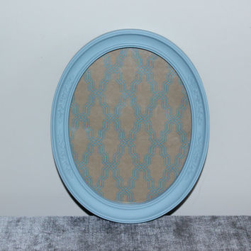 Light blue 8x10 oval picture frame - Painted frame, upcycled frame, blue frame, blue decor, Homco frame