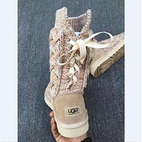 """UGG"" sells fashionable women's high bow cashmere snow boots"
