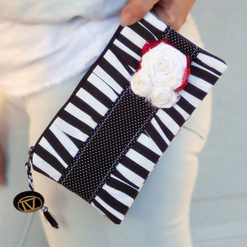 black and white stripe pleated Clutch Purse, zippered Pouch, summer Clutch, wristlet