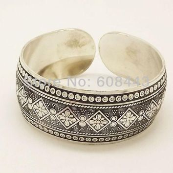 ONETOW Gypsy Square Flower Metal Tibetan Silver Vintage Retro Tribal Fashion Bracelet Bangle Cuff for Women  Free Shipping
