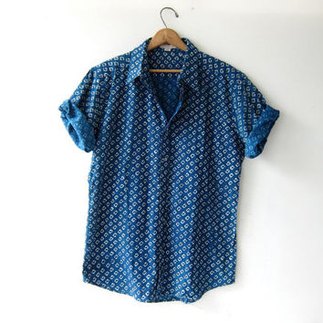 20% off SALE Vintage batik shirt. Men's button up shirt. Fabindia India shirt. Printed tee shirt. Graphic blue + white shirt. Coed shirt.