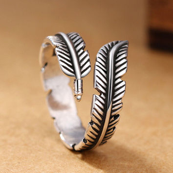 Vintage Old Silver Feather Ring