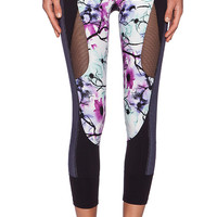 Splits59 Nova Reef Performance Capri in Black