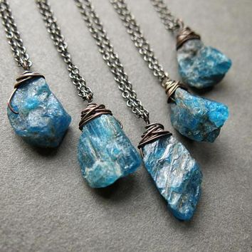Raw Apatite Necklace - Raw Gemstone Necklace - Raw Stone Necklace - Apatite Pendant - Apatite Jewelry - Boho Necklace - Raw Crystal Pendant Raw Apatite Necklace - Raw Gemstone Necklace - Raw Stone Necklace - Apatite Jewelry - Boho Necklace