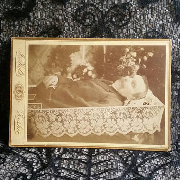 Victorian Edwardian mourning funeral photo post mortem father gentleman casket