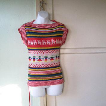 Folkloric 1970s Reindeer Print Tunic Sweater - Small, Boxy Multicolor/Red Sleeveless Folkloric Print Pullover - Alpine Print Pullover