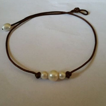 Seaside Original! High Quality Freshwater 3 pearl choker/necklace AA Leather.