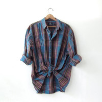 20% OFF SALE / vintage plaid denim shirt. plaid jean shirt. button down shirt. oversized pocket shirt.