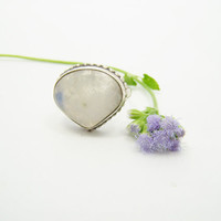 Moonstone ring, Stone ring, Silver ring, Rainbow ring, 925 sterling Silver ring,Moonstone,Moonstone Silver ring