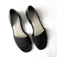 vintage leather slidbacks. black leather & elastic flats. slip on sandals. peep toes