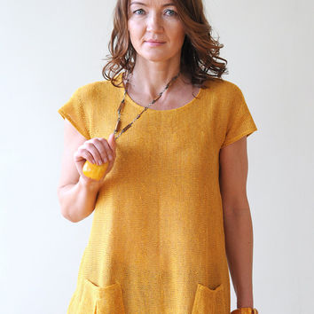 Yellow Linen Tunic with two Pockets on Front side, a Round Neck and Short Sleeves, knitted from Eco-Friendly Yarn Active