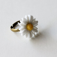 White Daisy Antique Bronze Adjustable Ring