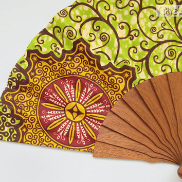 Spanish hand fan - African Baroque - Apple green