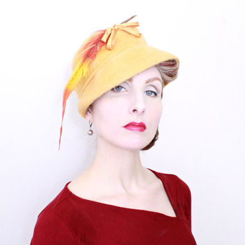 1950s Hat / VINTAGE / Gold / Ombre Feather / Bow / Soft Italian Felt / 50s Hat