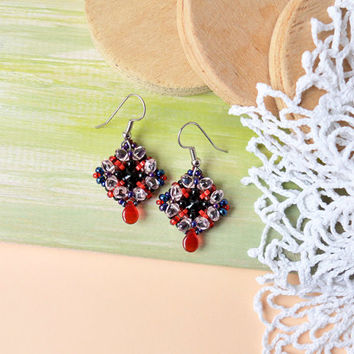 Poppy flower earrings, elegant minimalist jewelry, beadwoven earrings, beadwork, beaded earrings, red black purple pink, holiday gift