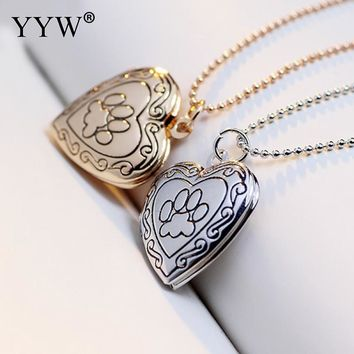 Photo Frame Memory Locket Pendant Necklace Silver/Gold Color Romantic Love Heart Necklace Vintage Rose Footprint Jewelry Women
