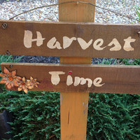 Handmade Harvest Time Wooden Sign ~ Autumn Sign ~ Fall Harvest Home Decoration for teacher, housewarming, Fall Birthday, Thanksgiving Gifts
