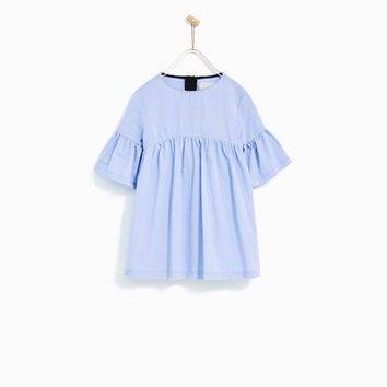 DRESS WITH FRILLED SLEEVES DETAILS