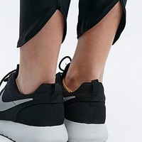 Solid Active Leggings in Black - Urban Outfitters