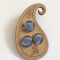 brass Set of adjustable size ring and pin earring with paisley design