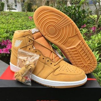 UCANUJ3V Air Jordan 1 OG Wheat Yellow Men Basketball Sneaker