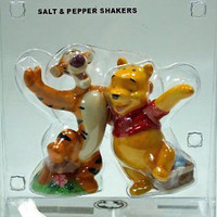disney parks winnie the pooh & tigger salt pepper shakers new sealed
