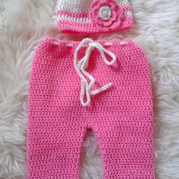 Soft crochet Baby Girl hat in Pink and Ivory, Newborn Girl Hat, Crochet Baby Hat, baby Crochet Hat with flower, Baby Girl Shower Gift