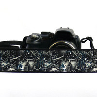dSLR Camera Strap. Canon Camera Strap. White and Black Camera Strap. Camera accessories