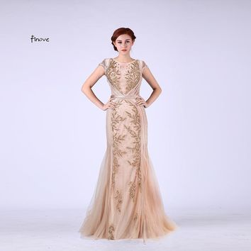 Elegant Mermaid Evening Dresses with Scoop-Neck Capped Sleeves Beading Champagne Prom Gown