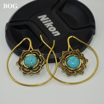 ac DCCKO2Q Gold Brass Mandala Flower With Stone Earrings Hoop Indian Fashion Ear Hanger Weight Percing Body Jewelry 14g