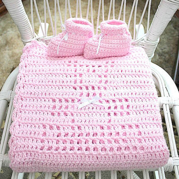 Pink Teddy Bear Blanket Baby Booties Set Infant Girl Pastel Afghan Newborn Children Clothing 3 - 6 Months Shower Gift Light Crochet Slippers