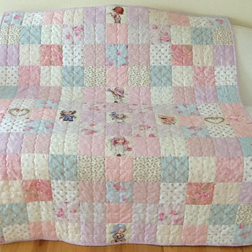 Sunbonnet Emma Large Lap Quilt Childrens Quilt Throw Handmade Quilt 48 x 57 inches Free Shipping Canada and USA