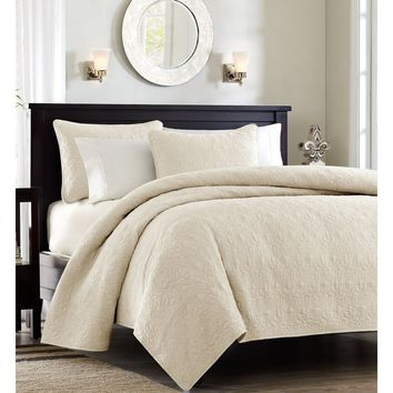 Monterey Off White Quilt Set