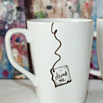 "Alice in Wonderland ""Drink Me"" Mug"