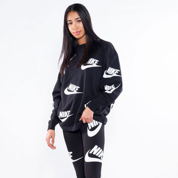 Nike Graphic Pullover