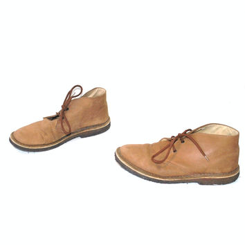 buckskin LEATHER desert boots vintage 70s 1970s MINIMAL tan leather lace up ankle booties size 8