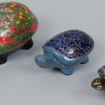 Tortoise box/Trinket Turtle/Office/Gift/home decor/Handmade Hand painted Lacquered Papier Mache/removable shell lid//PapierMache/SET OF 3