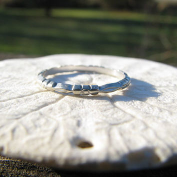 Art Deco Wedding Band, 18K White Gold, Lovely Carved Flower Blossom Design, Circa 1920's