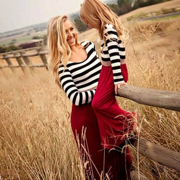 New 2017 Red Long Sleeve Mother Daughter Dresses Family Matching Clothes Striped Mom and Daughter Dress Family Look Outfits