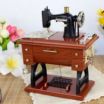 Vintage Treadle Sewing Machine Music Box Mini Sartorius Toy Personality Birthday Gift Decor Clockwork Style Musical Toy