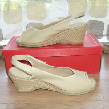 Vintage 60s 40s Ivory Sand Canvas Wedge Heel Sandals Platform Raffia Espadrille Pumps Size 6 Browsabouts by Oomphies Shoes With Box