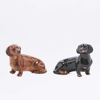 Dachshund Salt and Pepper Shaker Set - Urban Outfitters