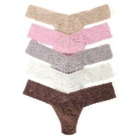 Signature Lace Low Rise Thong 5-Pack
