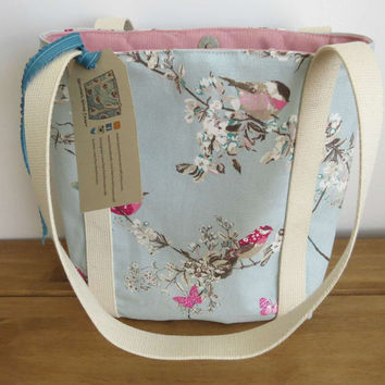 Small tote bag and fully lined. Everyday fabric shoulder bag/handbag or ipad bag. Ideal gift for Mum, Sister or Daughter.